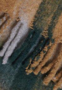 ICHI - IAABLA SC - Scarf - golden palm - 2