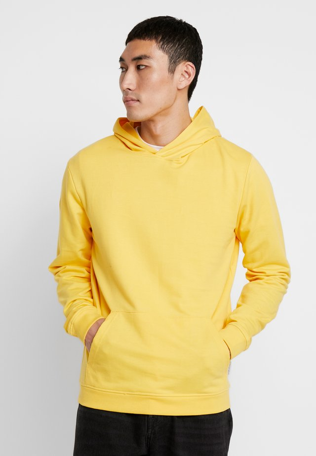 MENS BASIC HOODIE - Bluza z kapturem - yellow