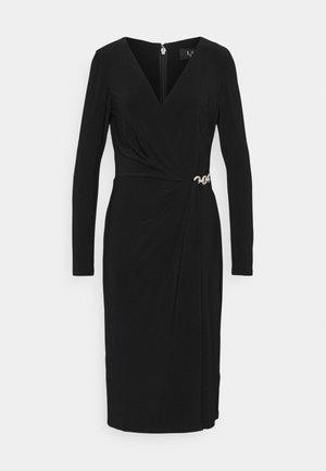 CLASSIC DRESS - Žerzejové šaty - black