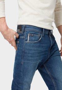 TOM TAILOR DENIM - CONROY TAPERED  - Jeans Tapered Fit - dark blue denim - 3