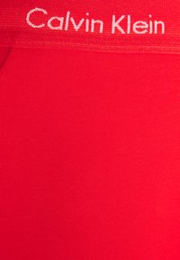 Calvin Klein Underwear - STRETCH LOW RISE TRUNK 3 PACK - Pants - grey/red/blue - 9
