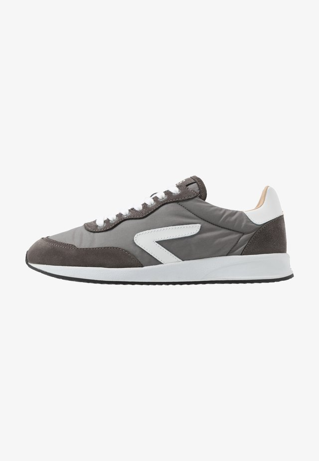 LINE - Sneakers laag - grey/white/black