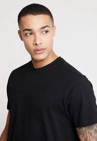 Urban Classics - BASIC TEE 2 PACK  - Basic T-shirt - black - 4