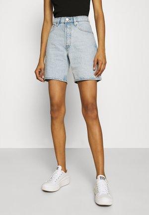 ESSI - Jeans Short / cowboy shorts - light blue