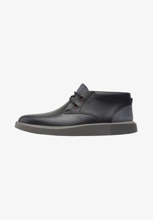 BILL - Zapatos con cordones - black