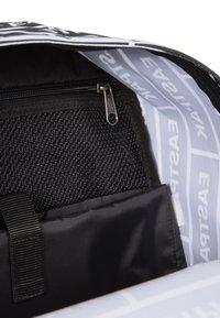 Eastpak - Rucksack - bold branded - 5