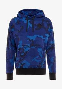 Nike Performance - NBA GOLDEN STATE WARRIORS CAMO HOODIE - Kapuzenpullover - rush blue/black - 3