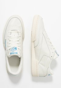 Reebok Classic - CLUB C 85 - Baskets basses - chalk/paperwhite/cyan