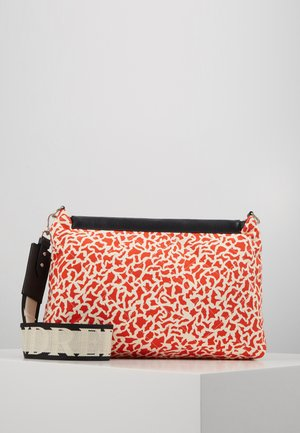 CARLY QUILTED - Across body bag - poinciana leo