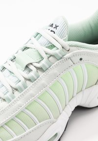 Nike Sportswear - AIR MAX TAILWIND - Sneakersy niskie - spruce aura/black/white/pistachio frost/barely volt - 2