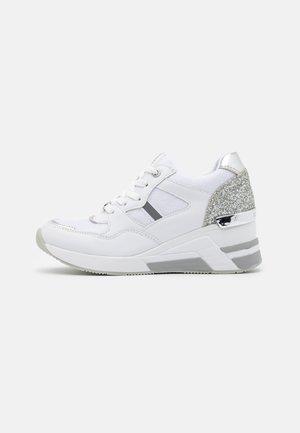 Zapatillas altas - white/silver