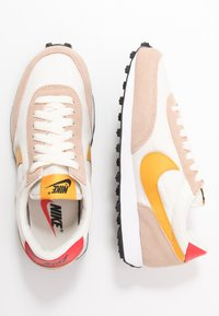 Nike Sportswear - DAYBREAK - Trainers - pale ivory/pollen rise/shimmer/track red/black/white - 1