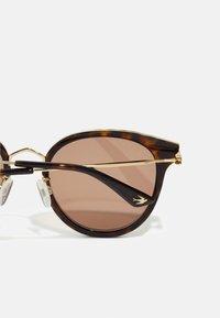 McQ Alexander McQueen - UNISEX - Sluneční brýle - havana/gold-coloured - 2