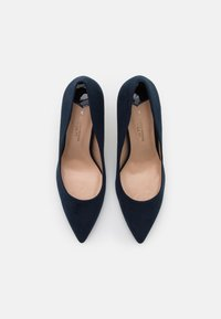 Dorothy Perkins Wide Fit - WIDE FIT DELE POINT STILETTO - Classic heels - navy - 5