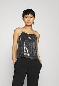 Calvin Klein Jeans - SEQUIN LOGO STRAP  - Linne - black - 0