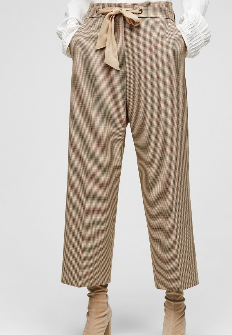 s.Oliver BLACK LABEL - Trousers - beige checks