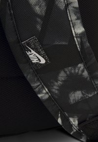 Nike Sportswear - UNISEX - Batoh - black/white - 3