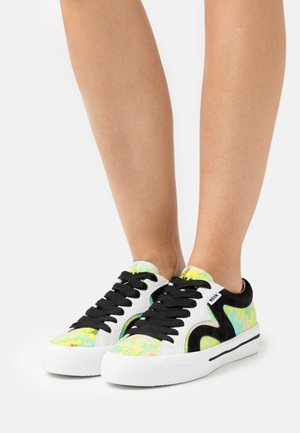 SCARPA DONNA - Sneakers laag - yellow