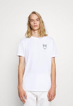 ALDER OWL CHEST TEE - T-shirts med print - bright white