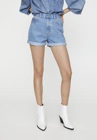PULL&BEAR - Short en jean - light blue - 7