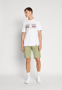 Tommy Hilfiger - ICON  - T-shirt con stampa - white - 1