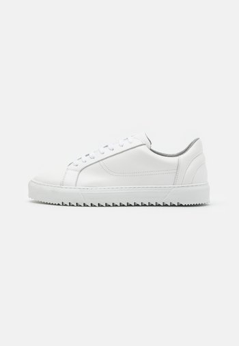 BIABUZZ - Sneakers - white