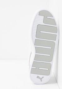 Puma - SKYEMETALLIC - Zapatillas - white/silver - 6