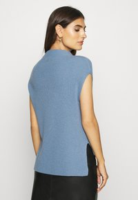 Rich & Royal - TABARD FULL - Basic T-shirt - dove blue - 2