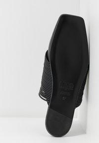 MM6 Maison Margiela - Pantofle - black - 6