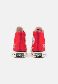 Converse - CHUCK 70 UNISEX - Sneakers hoog - university red/egret/black - 2