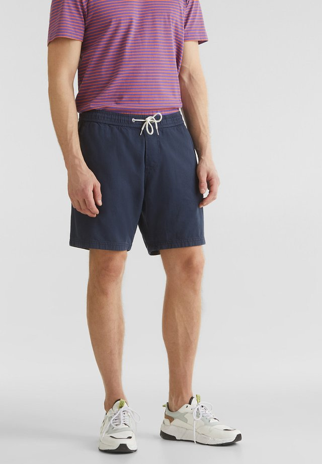 MIT GUMMIZUGBUND - Shorts - dark blue
