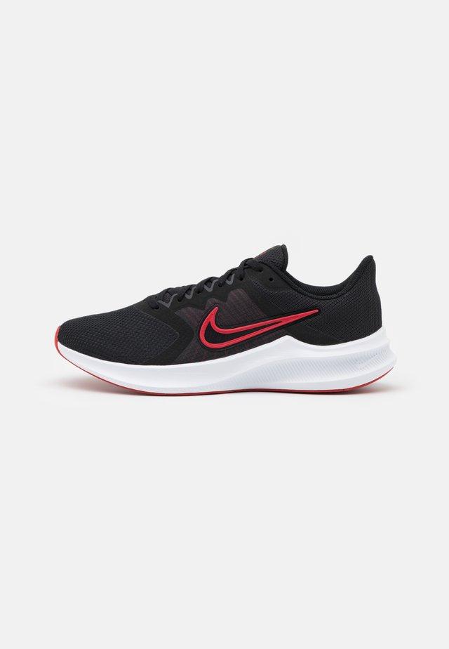 DOWNSHIFTER 11 - Scarpe running neutre - black/university red/white/dark smoke grey