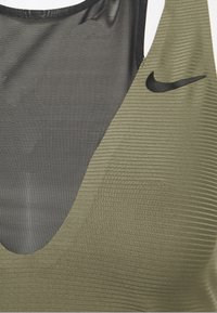 Nike Performance - MARIA DRESS - Sportovní šaty - medium olive/black - 2