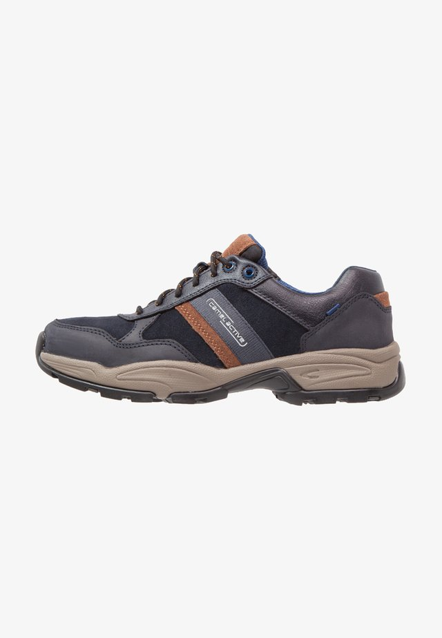 Trainers - midnight/timber