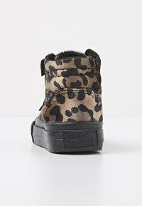 British Knights - Sneakers hoog - rust leopard/gold/black - 3