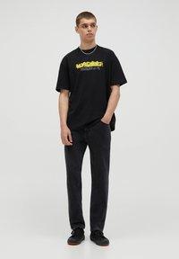 PULL&BEAR - T-shirt imprimé - black - 1