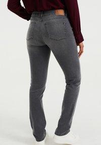 WE Fashion - DAMES  - Slim fit jeans - light grey - 2