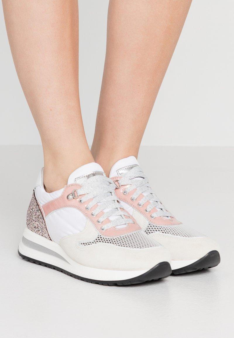Noclaim - ZELDA  - Sneakers basse - rose