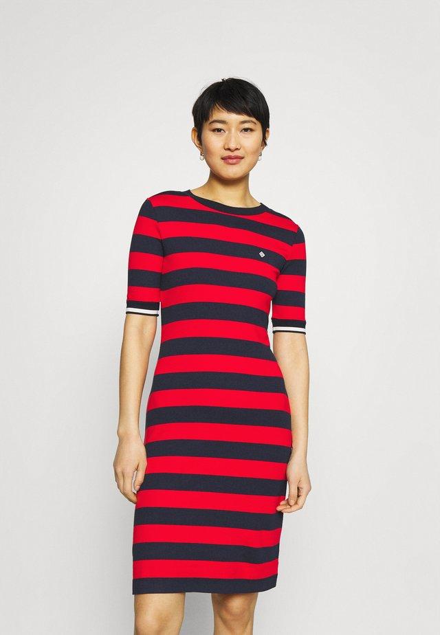 BAR STRIPED DRESS - Jerseyjurk - lava red