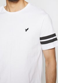 Pier One - 2 PACK - Print T-shirt - black/white - 4