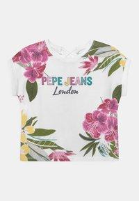 Pepe Jeans - FIONA - Triko spotiskem - optic white - 0