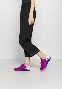 Nike Performance - PANT - Trainingsbroek - black/metallic silver - 3