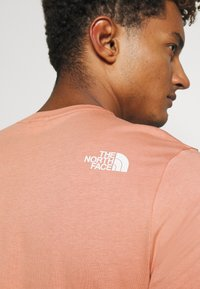 The North Face - MENS SIMPLE DOME TEE - Basic T-shirt - pink clay - 5