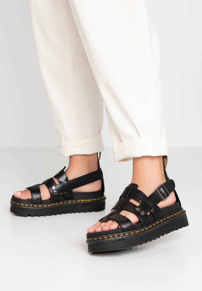 Dr. Martens - TERRY - Sandály na platformě - black brando