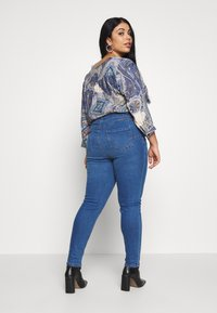 New Look Curves - LIFT SHAPE  - Jeans Skinny Fit - mid blue - 2