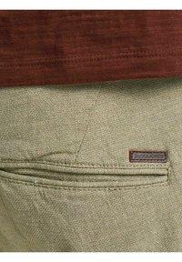Jack & Jones - Shorts - crockery - 6