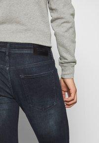 Jack & Jones - JJILIAM JJORIGINAL - Slim fit jeans - black denim - 4