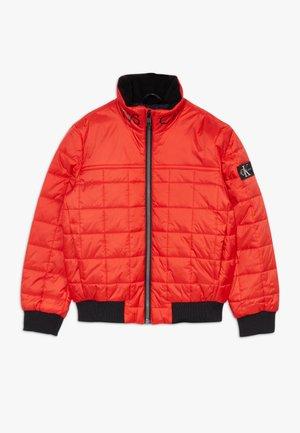 SQUARE QUILT LIGHT  - Zimní bunda - red