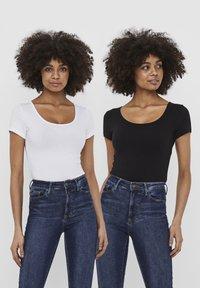 Vero Moda - 2 PACK - T-shirt - bas - bright white 2 - 0