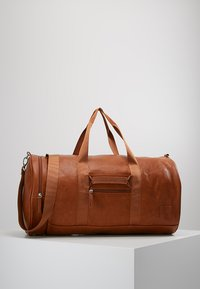 YOURTURN - Weekend bag - cognac - 0